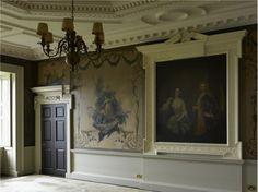 """A """"maior casa da Europa"""" foi comprada por uma ONG e prepara-se para recuperar o seu esplendor"""