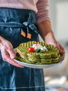 Arkiruokavinkki: Pinaattivohvelit (G) | Annin Uunissa Savory Pastry, Savoury Baking, Most Delicious Recipe, Avocado Toast, Pesto, Food And Drink, Gluten Free, Vegetarian, Yummy Food