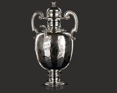 Ampolla per olio sacro realizzato in argento cesellato e martellato a mano