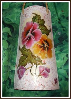 1 million+ Stunning Free Images to Use Anywhere Decor Crafts, Diy And Crafts, Mosaic Bottles, Painted Flower Pots, Moon Painting, Free To Use Images, Mosaic Projects, Mosaic Designs, Decorative Tile