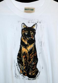 Tortie Cats T shirt The Roundest Eyes Size by PortraitsOfAnimals.