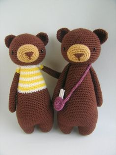 ~~~~~~~~~~~~~~~~~~~~~~~~~~~~~~~~~~~~~~~~  This is a crochet pattern PDF! Not the finished doll!  ~~~~~~~~~~~~~~~~~~~~~~~~~~~~~~~~~~~~~~~~   This is a pattern to make this lovely bear, including the bag!  The pattern includes many pictures and detailed explanations. Its in PDF format and will be available for download immediately after purchase.  The pattern is available in English, Dutch and Portuguese. You will automatically receive all.  The bear in the picture is made with Stylecraft…