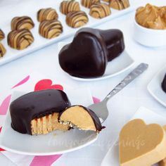 Creamy peanut butter fudge hearts can be served plain, drizzled in chocolate, or dipped in chocolate ganache. These candies make a great gift or dessert for Valentine's Day, a bridal shower, or a wedding. Just Desserts, Delicious Desserts, Dessert Recipes, Yummy Food, Peanut Butter Fudge, Peanut Butter Recipes, Valentine Chocolate, Chocolate Hearts, Chocolate Ganache