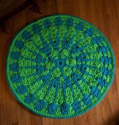 Shocking Mandala Rug - free crochet pattern using Super Bulky Red Heart Vivid!
