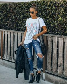 Tops – Page 20 – VICI Fall Winter Outfits, Spring Outfits, Dress Bar, Animal Print Scarf, Striped Scarves, Pink Floyd, Distressed Denim, Fitness Models, Cute Outfits
