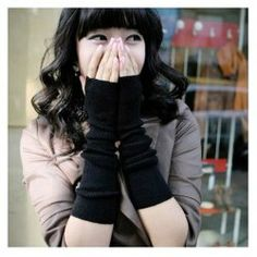 $1.97 Winter Fashion Exposed Fingers Design Knitted Gloves