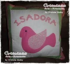 Confeccionada em tecido 100% algodão e enchimento anti-alérgico. Informações e encomendas para cricoisas@uol.com.br Veja essa e outras produções em www.cricoisas.blogspot.com R$65,00