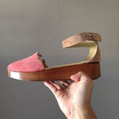 Coral & Nude Suede Scallop Wooden Platforms by #chicadecanela and #goldenponies