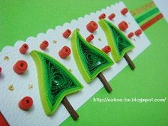 Lin Handmade Greetings Card: Quilled Christmas tree
