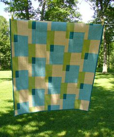 Looks like an easy quilt with great colors