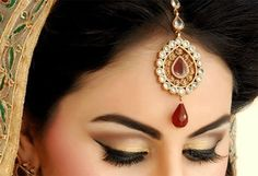 Mang Tikka and Matha Patti – The Ultimate Accessories for South Asian Weddings