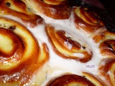 Schweiziska bricohes Source by cdafleury Croissants, Cake Factory, Beignets, Waffles, French Toast, Bakery, Dessert Recipes, Cooking Recipes, Eat