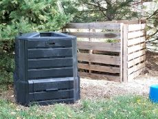Homemade compost bin for the home