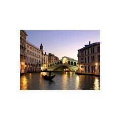 Rialto Bridge, Grand Canal, Venice, Italy Photographic Wall Art Print (€38) ❤ liked on Polyvore featuring home, home decor, wall art, italy, europe, european nations, italian landscapes, italy's canals, subjects and travel