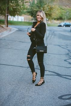 "Hi, here are some ""Beautiful Casual Outfits for Women."" These casual outfits are so sweet and lovely. Mode Outfits, Jean Outfits, Casual Outfits, Fashion Outfits, Fashionable Outfits, Womens Fashion, Looks Style, Looks Cool, My Style"