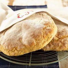 Suomen rikas leipäperinne juontaa juurensa maamme sijainnista kahden kulttuurin välissä. Bread Recipes, Baking Recipes, Bread Board, Bread Rolls, Sweet And Salty, Bread Baking, Baked Goods, Food And Drink, Pie