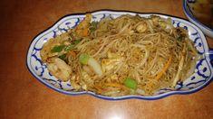 Gebratene Weizennudeln mit Garnelen Catering, Ethnic Recipes, Food, Vietnamese Cuisine, Fresh, Catering Business, Gastronomia, Essen, Meals