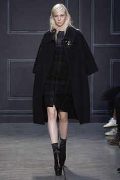 Preppy and Feminine Accents Get Punk at Vera Wang   The Chic. I actually really like this look.