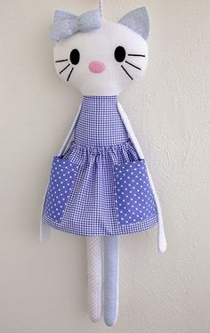fabric toys Made by Irinelli Handmade Stuffed Animals, Sewing Stuffed Animals, Stuffed Toys Patterns, Sewing Toys, Sewing Crafts, Baby Sewing Projects, Fabric Toys, Cat Doll, Toy Craft