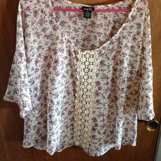 Rue 21 Paisley Top Size XL polyester paisley top with crocheted front , only worn once Rue 21 Tops Blouses