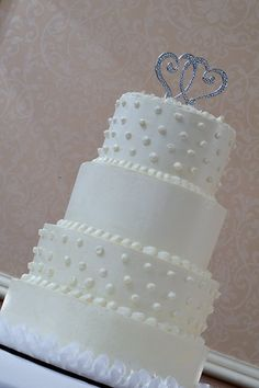 Elegant Shabby Chic White Round Wedding Cakes Photos & Pictures - WeddingWire.com