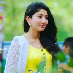 Beautiful Girl Indian, Most Beautiful Indian Actress, Beautiful Girl Image, Beautiful Actresses, South Actress, South Indian Actress, Sai Pallavi Hd Images, Indian Heroine, Saree Photoshoot