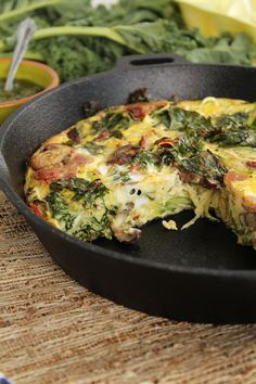 PESTO BACON ZUCCHINI SPAGHETTI FRITTATA WITH MUSHROOMS AND KALE