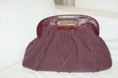 carteira de tricô e couro feito por Bello Quilt.