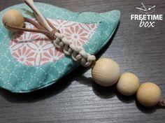 Tuto DIY : réaliser un hochet type Montessori avec des perles en bois