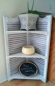Diy basteln einfach 12 great DIY old shutter projects Tips For Purchasing A Luxurious Comforter Snug Furniture Projects, Home Projects, Diy Furniture, Funky Junk Interiors, Repurposed Furniture, Painted Furniture, Repurposed Shutters, Shutter Projects, Shutter Decor