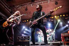 Doug Aldrich -guitarra- y Glenn Hughes -voz y bajo- de Glenn Hughes Band, Santana 27, Bilbao, 09/10/2015. Foto por Dena Flows  http://denaflows.com/galerias-de-fotos-de-conciertos/g/glenn-hughes/