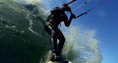 Kitesurfing - pływają nawet zimą - może też spróbujesz?