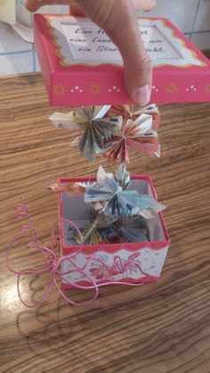 Everyday life of a double mom: money gift for the wedding. DIY idea for hidden . - Everyday life of a double mom: money gift for the wedding. DIY idea for hidden money gift for the n - Presents For Kids, Diy Presents, Diy Gifts, Handmade Gifts, Diy Wedding Programs, Wedding Gifts, Wedding Card, Trendy Wedding, Don D'argent