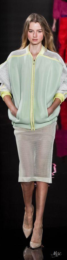 Spring 2016 Ready-to-Wear Valentin Yudashkin