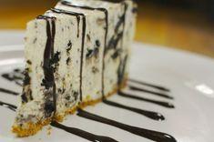 cheesecake cu biscuiti Oreo fara cuptor, ideal pentru zilele de vara cand nu-ti vine sa aprinzi focul. Super-rapid si usor de facut!