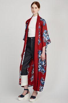 #luxuryloungewear #pajamadressing #luxurysleepwear #pajamaparty #paintedtextiles #silkpajamas #textiledesign #robelife #silkrobe #robedressing #steviehowell