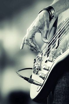 Hamry's finger poised for the punch, for a bass player it's all in the attack. You've got to box those strings! Playing Bass By: Hamry Wabula. #bassguitar