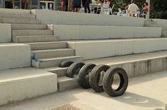 pneumatic challenges physicality in urban barcelona octaviserradesignboom02