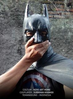 Saltum salah kostum : Batman or Capt America ? :P