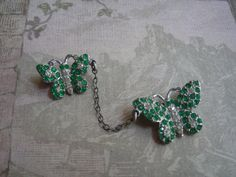 Vintage Art déco pâte strass Pot broches par SleepingBeautyGalaxy