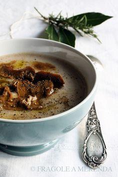 Vellutata di castagne con porcini, una ricetta da FRAGOLE A MERENDA http://www.fragoleamerenda.it/2012/02/vellutata-di-castagne-con-porcini.html