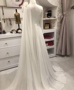 You will find different rumors about the real history of the wedding dress; Hijab Wedding Dresses, Hijab Bride, Wedding Dress Styles, Bridal Gowns, Wedding Gowns, Hijab Gown, Hijab Evening Dress, Evening Dresses, Simple Hijab