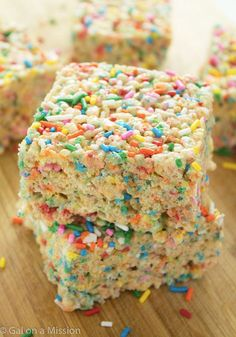 A delicious and basic rice krispy treat recipe that is packed with colorful, funfetti sprinkles. Great dessert recipe for a birthday party!