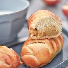 Petits pain au lait robot et pommes caramélisée