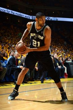 Tim Duncan, BEST POWER FORWARD EVER!!