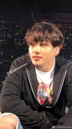 His eyes I'm crying he looks so magical, beautiful Jungkook Foto Jungkook, Foto Bts, Jungkook Oppa, Jung Kook, Namjoon, Seokjin, Taekook, J Hope Tumblr, Die Beatles