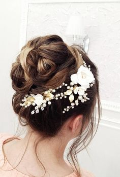 FAYBOX Handmade Bridal Silk Flower Hair Clips With Beads and Simulated Pearl Wedding Bridesmaid Accessories - Ideal Wedding Ideas Wedding Hair Colors, Wedding Hair Pins, Wedding Hair Accessories, Vintage Hair Combs, Vintage Wedding Hair, Flower Hair Clips, Flowers In Hair, Simple Wedding Hairstyles, My Hairstyle