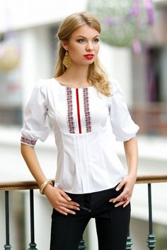 Wow and simple in the same time Simple Outfits, Simple Dresses, Beautiful Dresses, Casual Dresses, Casual Outfits, Embroidered Clothes, Embroidered Blouse, Traditional Fashion, Traditional Dresses