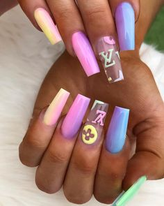 In coffin nails are still trendy for fashionable girls!If you dont want to miss the exciting and popular coffin nail trendy ideas please check the latest 45 coffin Nails Art Designs trendy in 2020 we collect for you. Drip Nails, Aycrlic Nails, Cute Nails, Coffin Nails, Summer Acrylic Nails, Best Acrylic Nails, Summer Nails, Holiday Acrylic Nails, Nail Swag