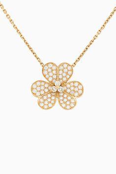 Van Cleef & Arpels revisits its Frivole collection Flower Model, Van Cleef Arpels, Flower Pendant, Gold Necklace, Jewels, Single Flowers, Diamond, Collection, June